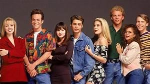 Retour Des Series : beverly hills 90210 les acteurs de la s rie originale de retour dans une suite ~ Medecine-chirurgie-esthetiques.com Avis de Voitures