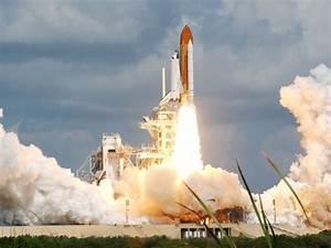 APOD: 2005 July 27 - America Returns to Human Space Flight