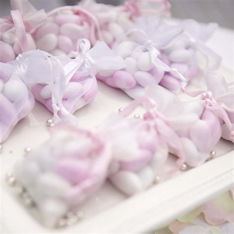 reading wedding venues do i need to give favours bomboniere to my guests