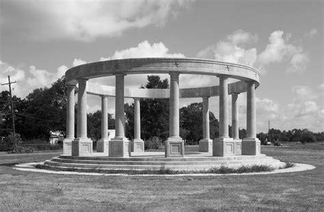 confederate memorial   wind   king jr dr oran