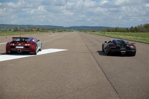 Race Koenigsegg Agera S Vs Bugatti Veyron 16.4 X 5 Races