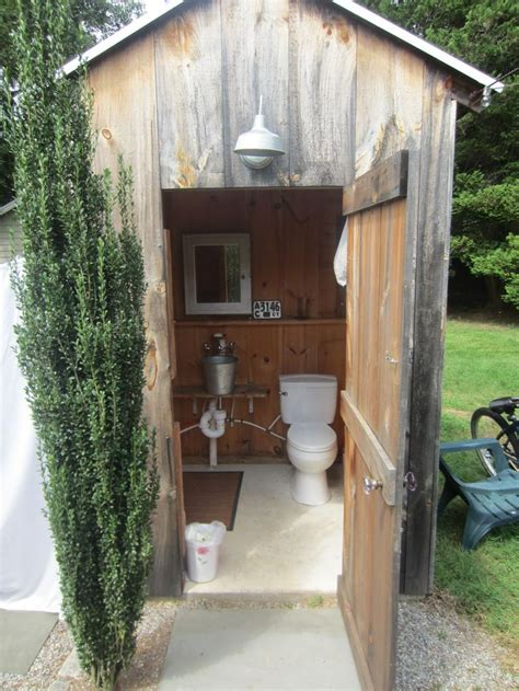 Building An Outdoor Bathroom 25 Best Ideas About Outdoor Toilet On Outdoor