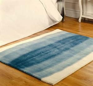 Teppich Blau Weiß : blauer teppich suchen sie nach einem modernen teppich in blau ~ Whattoseeinmadrid.com Haus und Dekorationen