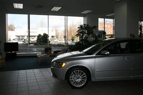 jim fisher volvo portland    car dealership