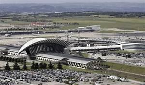 Aéroport De Lyon Parking : les probables acheteurs de l a roport de lyon big news magazine ~ Medecine-chirurgie-esthetiques.com Avis de Voitures