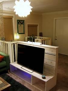 Table Tv Design : 13 diy plans for building a tv stand guide patterns ~ Teatrodelosmanantiales.com Idées de Décoration