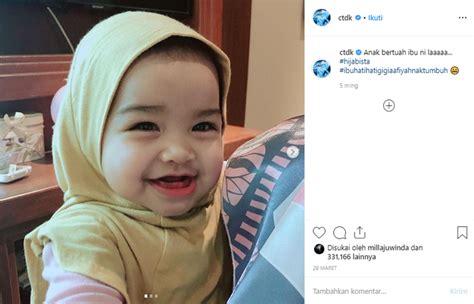 kelahirannya dinanti   tengok gemasnya putri siti nurhaliza kenakan hijab bayi
