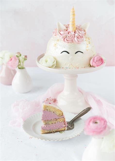 einhorn deko torte einhorn torte zum bloggeburtstag feines handwerk einh 246 rner pastell und torten