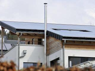 Solaranlage In Hybridtechnik Strom Und Waerme Im Doppelpack by Solarthermie Und W 228 Rmepumpe Effizienter Im Doppelpack