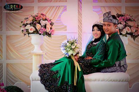 baju pengantin tema hijau pink inspirasi pernikahan