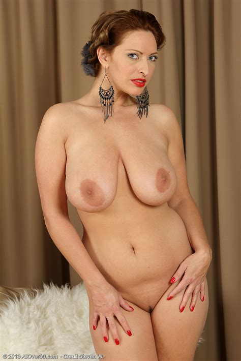 Classy Redhead MILF Salinas Strip Her Clothes / Moms Archive