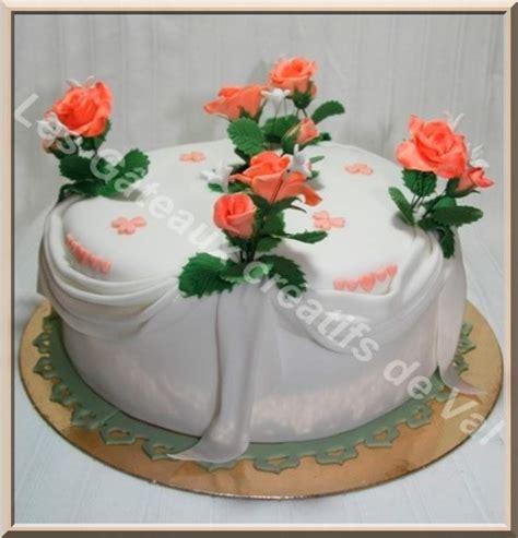 decoration gateau creme au beurre g 226 teau d 233 co en p 226 te 224 sucre drap 233 et roses