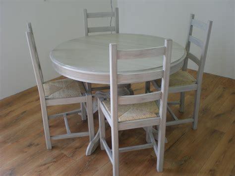 relooker des chaises en paille patine grise pour une table et des chaises nature cama 239 eu relooking de meubles
