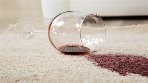 How to remove coffee stains from your carpet, clothes, and just about everything else. Remove Stains From Your Carpet With Baking Soda and Vinegar | Lifehacker | Bloglovin'