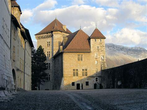 chambres d hotes annecy chambres d 39 hôtes au château d 39 annecy et ses environs