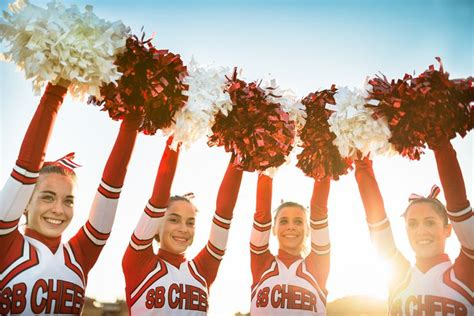 30 Great Cheers and Chants for Cheerleaders