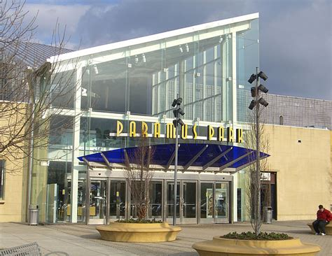Garden State Mall Thanksgiving by Two Jersey Malls To Open On Thanksgiving 98 7 The