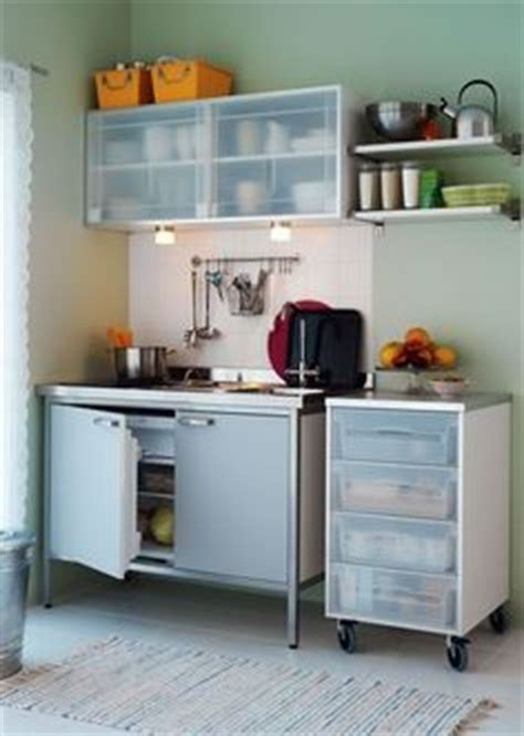 plaque aluminium cuisine ikea mini cuisine quot sunnersta quot et une plaque d induction portable quot tillreda quot ikea bureaus