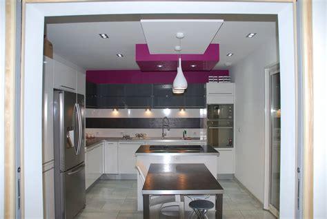 cuisine equipee photo cuisine equipee moderne maison design homedian com