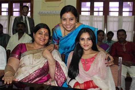 actress lakshmi daughter samyuktha thara photos pictures wallpapers