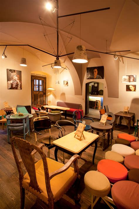 Each illustration and graphic images, symbolism and language used, as the interiors, the coffee shop design, was adopted from the mexican style, with a cultural characterthat rich in. Eclectic Coffee Shop Design in the Heart of Transylvania: Colaj Café