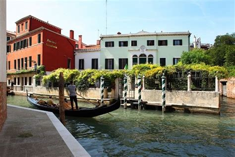 Venedig Pension by Pensione Accademia Villa Maravege Updated 2018 Prices