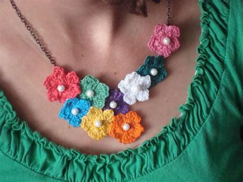 collane di fiori fiori a uncinetto modelli e schemi foto nanopress donna