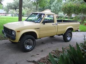 Toyota Pickup Standard Cab Pickup 1979 Yellow For Sale