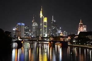 Skyline Frankfurt Bild : skyline frankfurt bei nacht foto bild architektur stadtlandschaft stadtlandschaften bei ~ Eleganceandgraceweddings.com Haus und Dekorationen