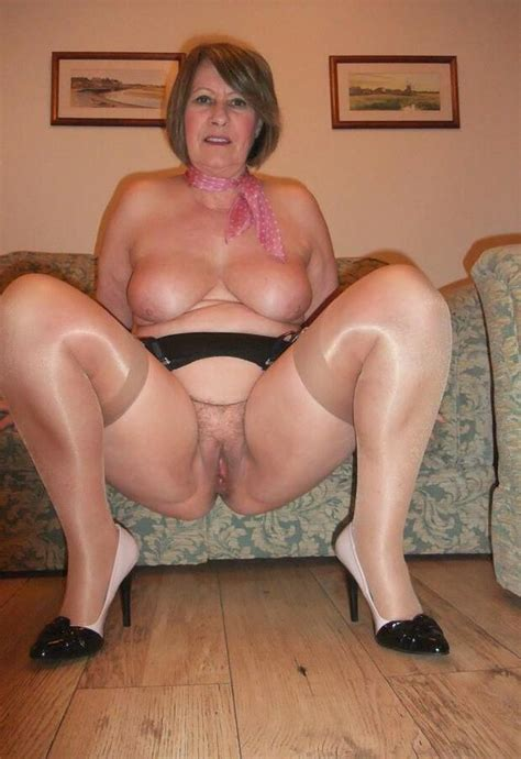 mujeres desnudas adultas