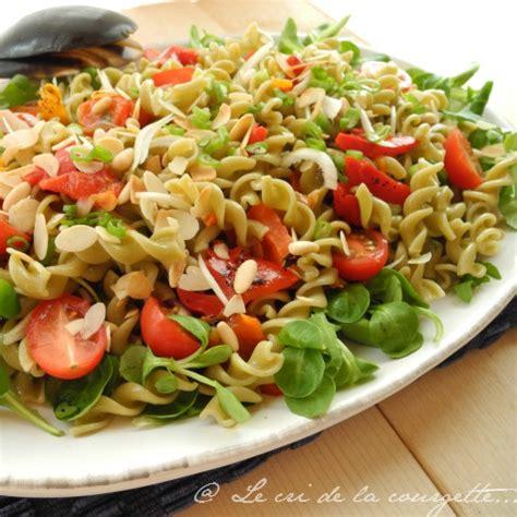 recette de pate froide en salade salade de p 226 tes aux l 233 gumineuses poivrons grill 233 s et fruits secs de recettes bio le