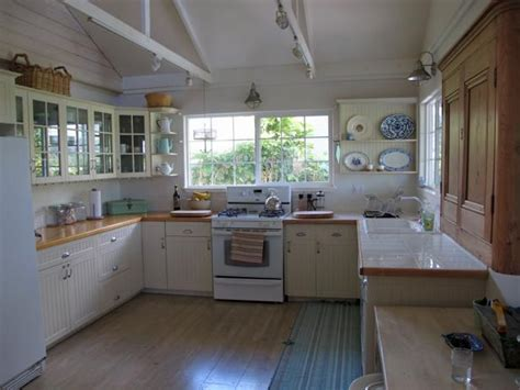 Vintage Kitchen Decorating: Pictures & Ideas From HGTV   HGTV