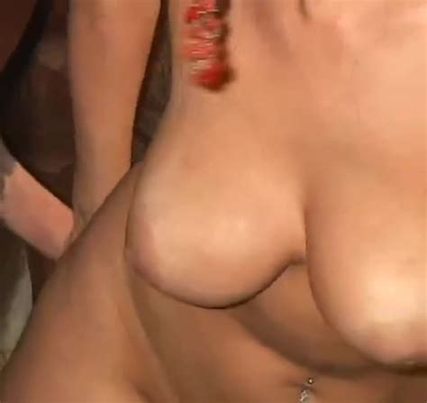Big Boobed Brunette Is Trying To Bang With A Horse Zoo Tube 1