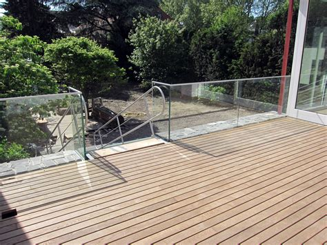 überdachung terrasse glas balkone und terrassen metallbau spiekermann