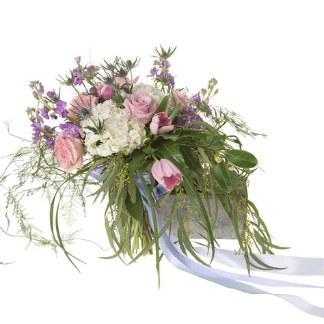 New Look Floral Design by Floral Design Institute Leanne S