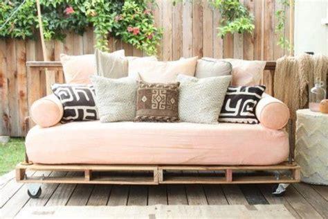 decorar sofa velho decorar con palets divertido sostenible y barato salas