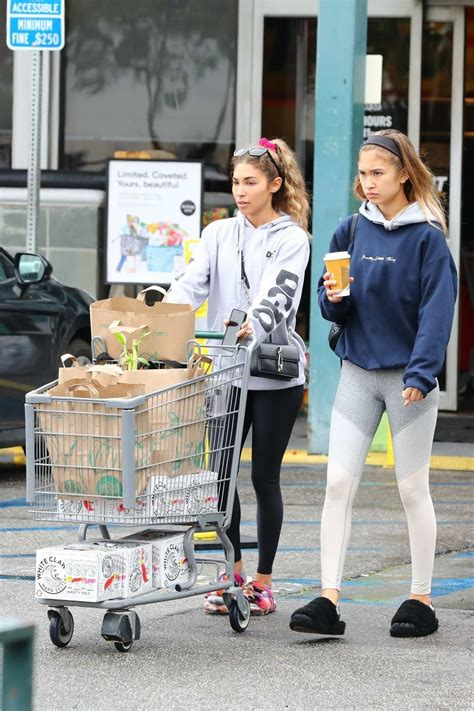 Chantelle Jeffries dresses down in a sweatshirt and ...