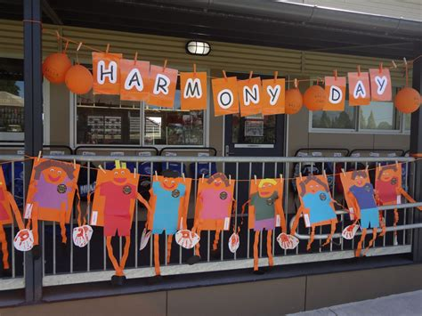 bpis harmony day display 2013 craft stuff 185 | ed66c0129bc94e14f7aec8dd7a8e2ff8