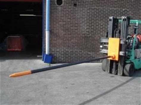 carriage mounted carpet poles liftruck