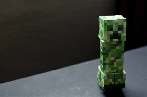 creeper minecraft papercraft   excellent gift