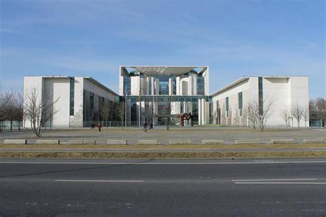 Bundeskanzleramt Berlin by Ausflugsziel Bundeskanzleramt In Berlin Doatrip De