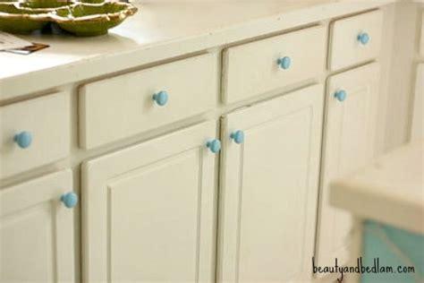 painting kitchen cabinet hardware spray paint brass kitchen knobs spray paint kitchen 4022