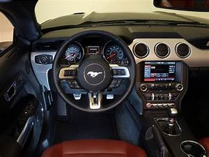 2014 Ford Mustang G-T Convertible muscle interior f ...