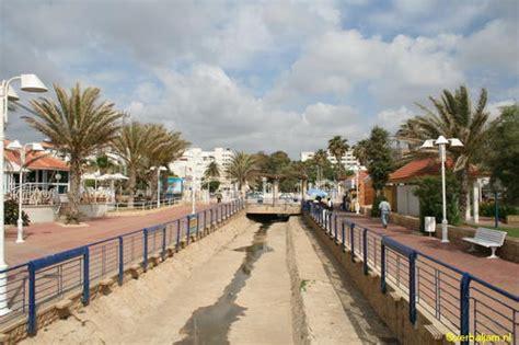 Israel: Nahariya, beach | Riverbed on the Srdot Ga'aton ...