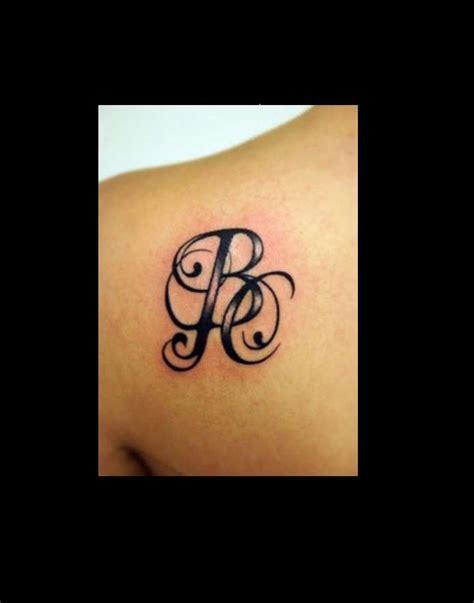 tatuaggi lettere s tatuaggi lettere foto 2 40 nanopress donna
