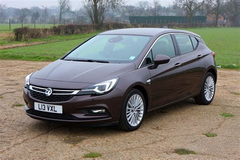 vauxhall astra vauxhall astra hatchback 2015 photos parkers