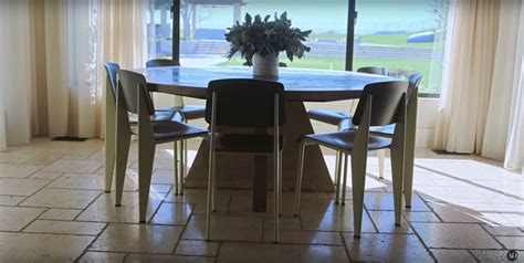 large kitchen table  fit kourtneys big family