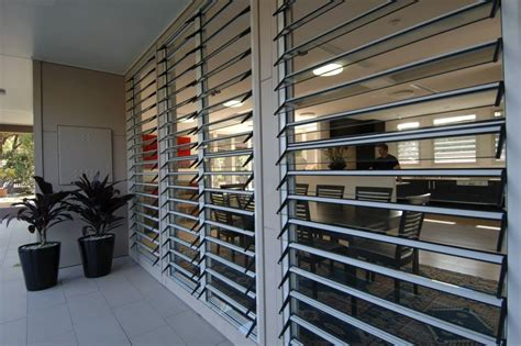 adjustable aluminum glass louvered windows  removable screen safe jalousie louvre windows