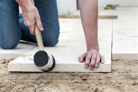 terrassenplatten auf erde verlegen terrassenplatten richtig auf beton verlegen www bauwohnwelt at