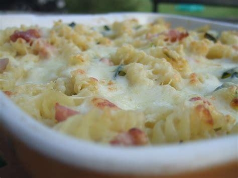 gratin de pates courgettes gratin de p 226 tes courgettes mozarella dans la cuisine de fabienne